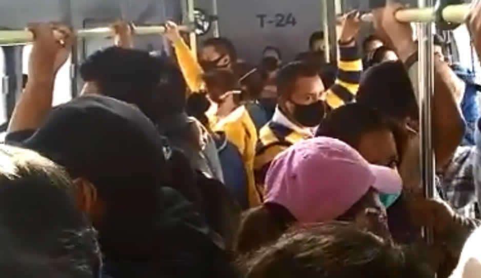 ¿Cómo se transmite el Covid? Así atascan pasajeros el RUTA olvidando a Susana Distancia (VIDEO)