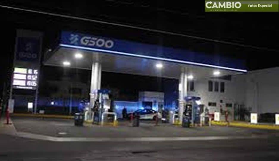 Amagan a despachador y asaltan gasolinera en Tecamachalco