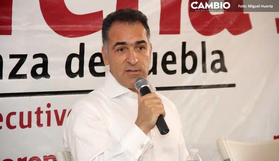 Bracamonte se aferra a ser dirigente de Morena y hasta realiza evento en Amozoc