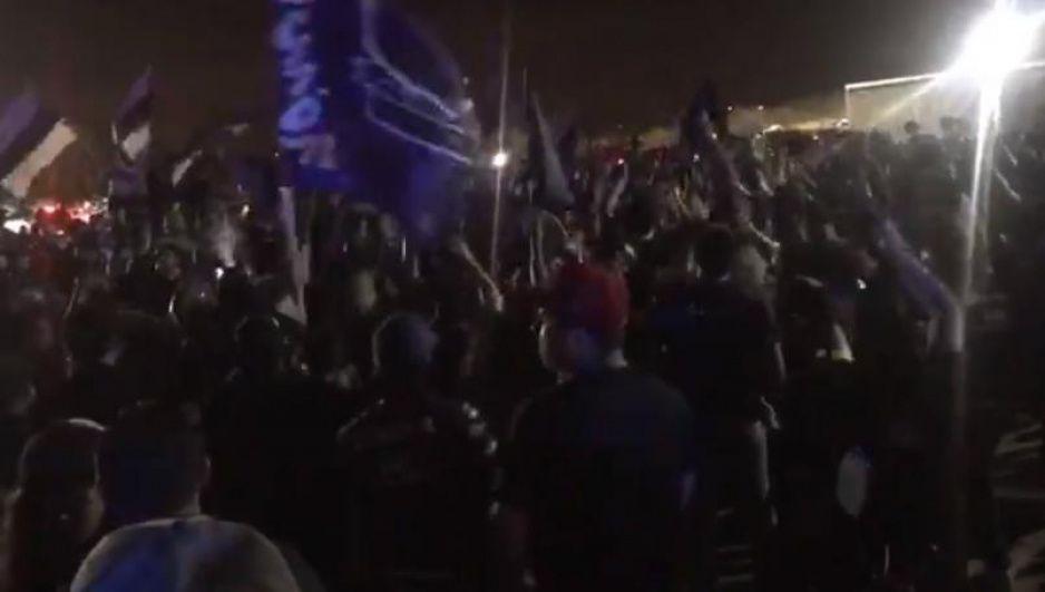 ¿Y la sana distancia? aficionados arman tremenda fiesta por victoria de Mazatlán FC (VIDEO)