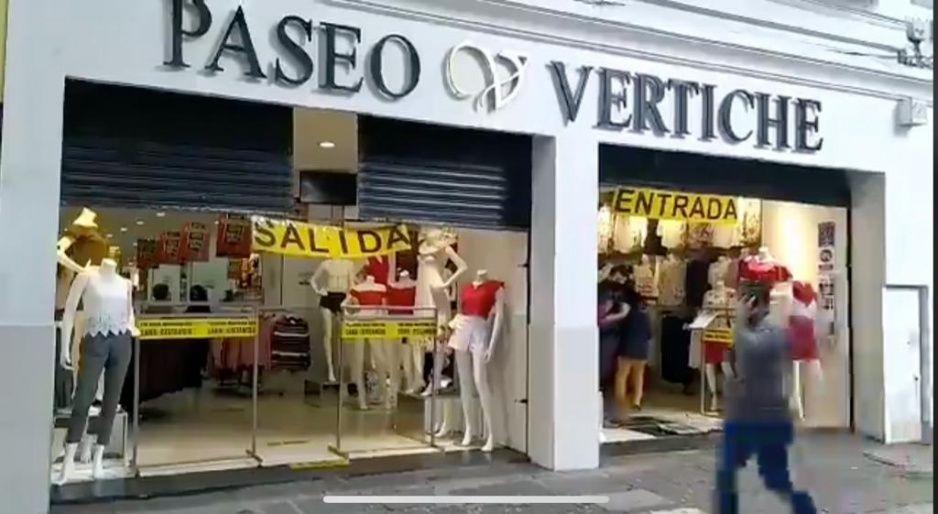 Tienda Vertiche del Centro Histórico ignora medidas sanitarias y abre en domingo (VIDEO)