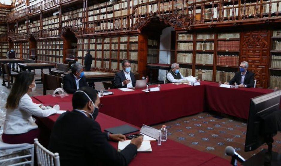 Con la ausencia de Esparza y Derbez, Melitón se reúne con Consorcio Universitario