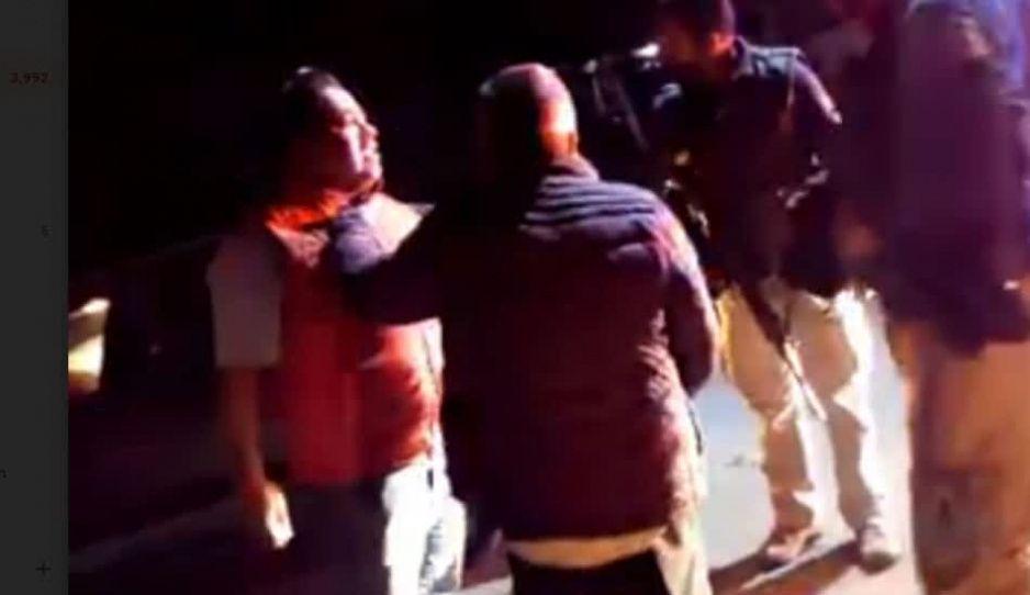 VIDEO: Secretario general de Chiautzingo intenta atropellar a mujer