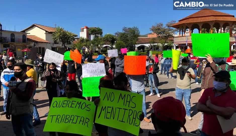 Artesanos y comerciantes de Chignahuapan piden a autoridades los dejen trabajar