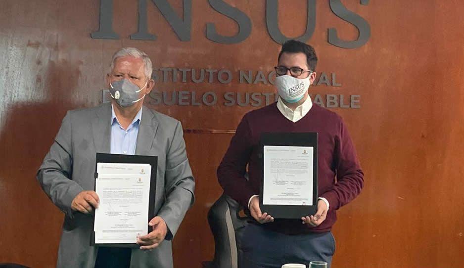 Gobierno de Teziutlán firma convenio de colaboración con el INSUS, logrando escrituras para todos