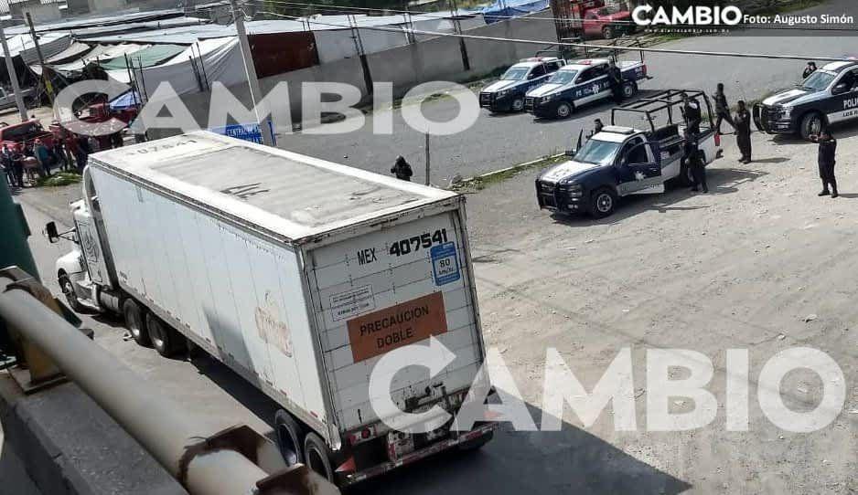 Fuerte operativo frente al Mercado de Huixcolotla para dar con explosivos