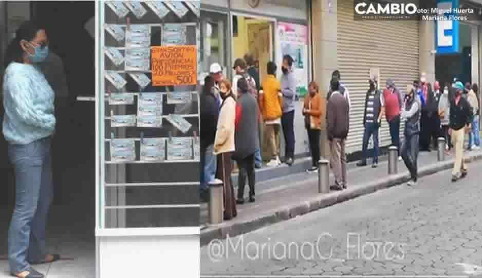 """¡Poblanos quieren el avión! Compran de último minuto """"cachitos"""" con su quincena (VIDEO)"""