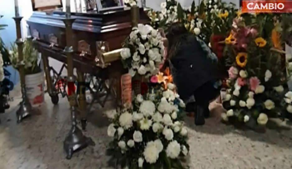 La tierna despedida de las hijas de Yeni, asesinada de 25 puñaladas, en su sepelio: Siempre te amaré mamita