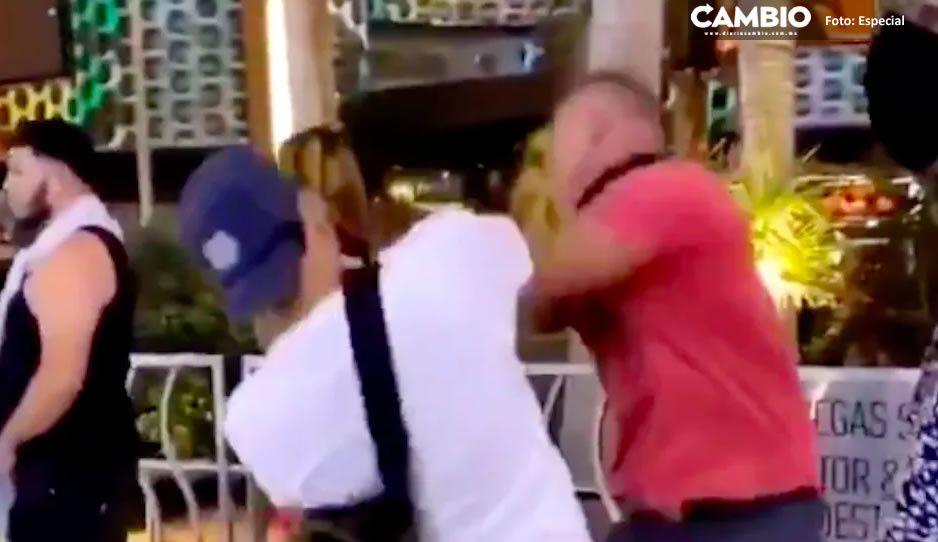"""Mexicanos dan brutal golpiza a gringo racista por llamarlos """"sucios"""" en las Vegas (VIDEO)"""