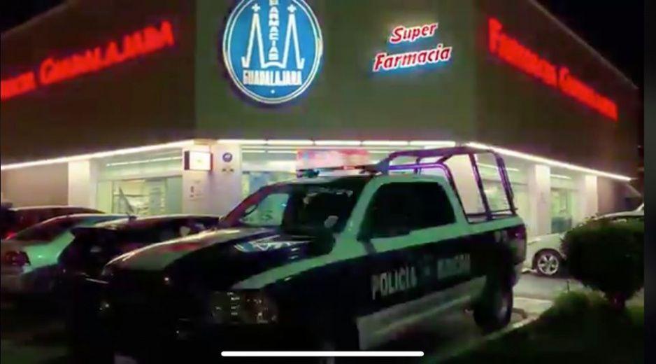Se hacen pasar por enfermos y asaltan Farmacias Guadalajara de Huexotitla (VIDEO)