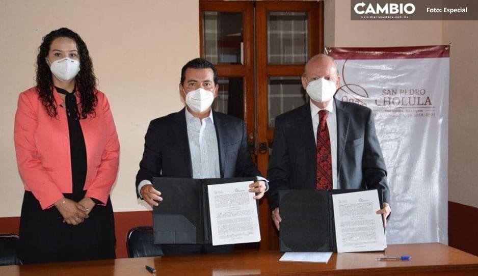 Firma gobierno de San Pedro Cholula convenio con Asociación de Mediadores del estado