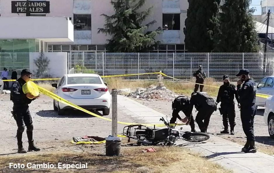 Explota moto-bomba en el Cereso de San Miguel (VIDEO)