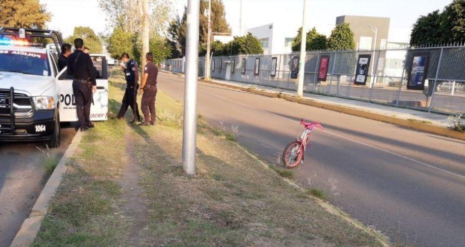 Levantan a niñita en San Manuel mientras jugaba en su bicicleta