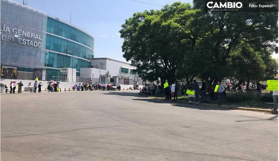 Antorcha ataca Puebla: están en FGE yCasa Aguayo