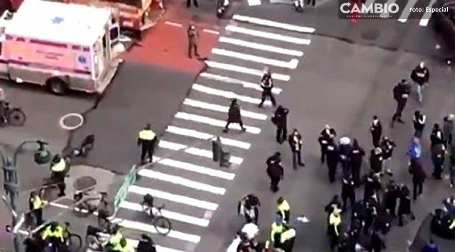 Trágico accidente: auto embiste a manifestantes, se reportan varios heridos (VIDEO)