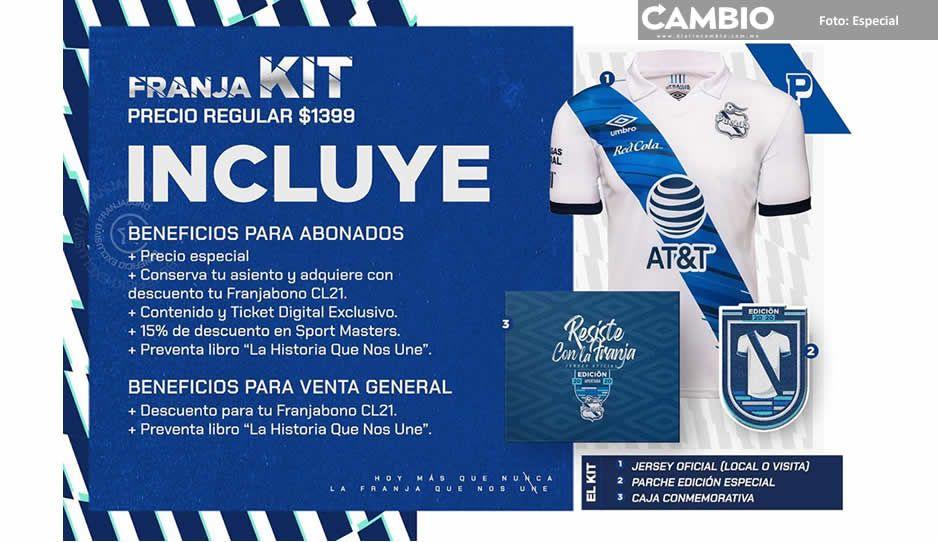 Directiva del Club Puebla pone en peligro a aficionados con la repartición de Franja Kit
