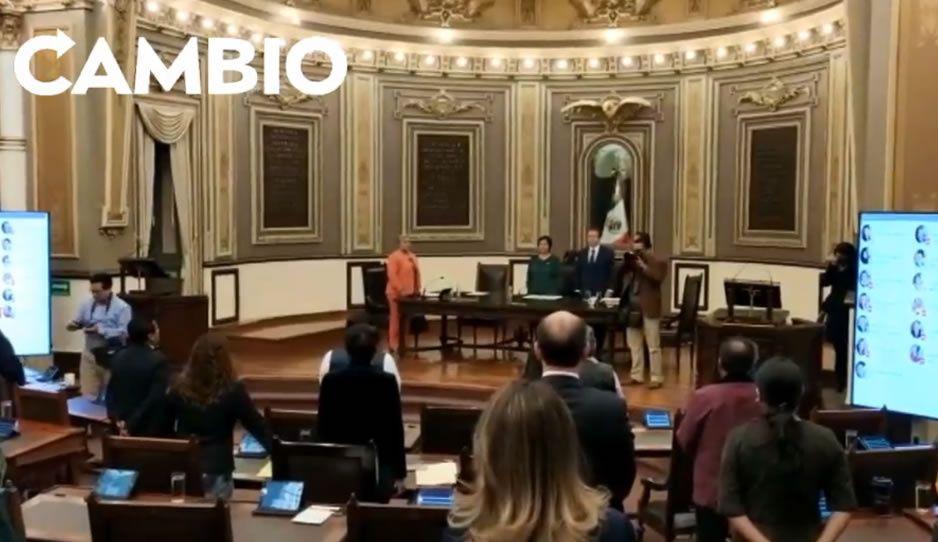 Congreso de Puebla guarda un minuto de silencio en memoria de los estudiantes y Uber ejecutados (VIDEO)