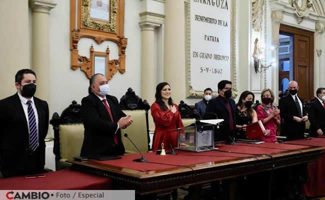 informe claudia rivera sala cabildos aplausos