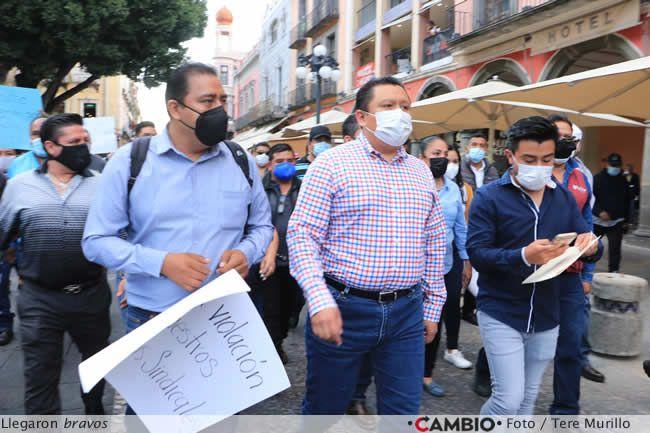 protesta sindicalizados ayuntamiento llegada
