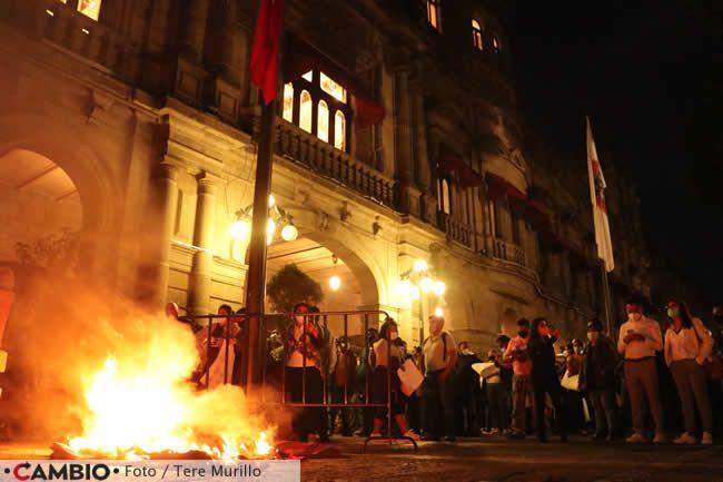 protesta sindicalizados ayuntamiento quema
