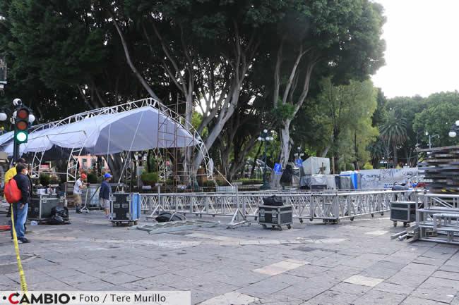 preparativos festejos 15 septiembre zocalo escenario