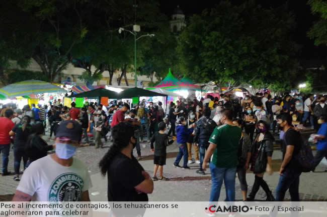 tehuacaneros covidiotas celebracion 15 septiembre
