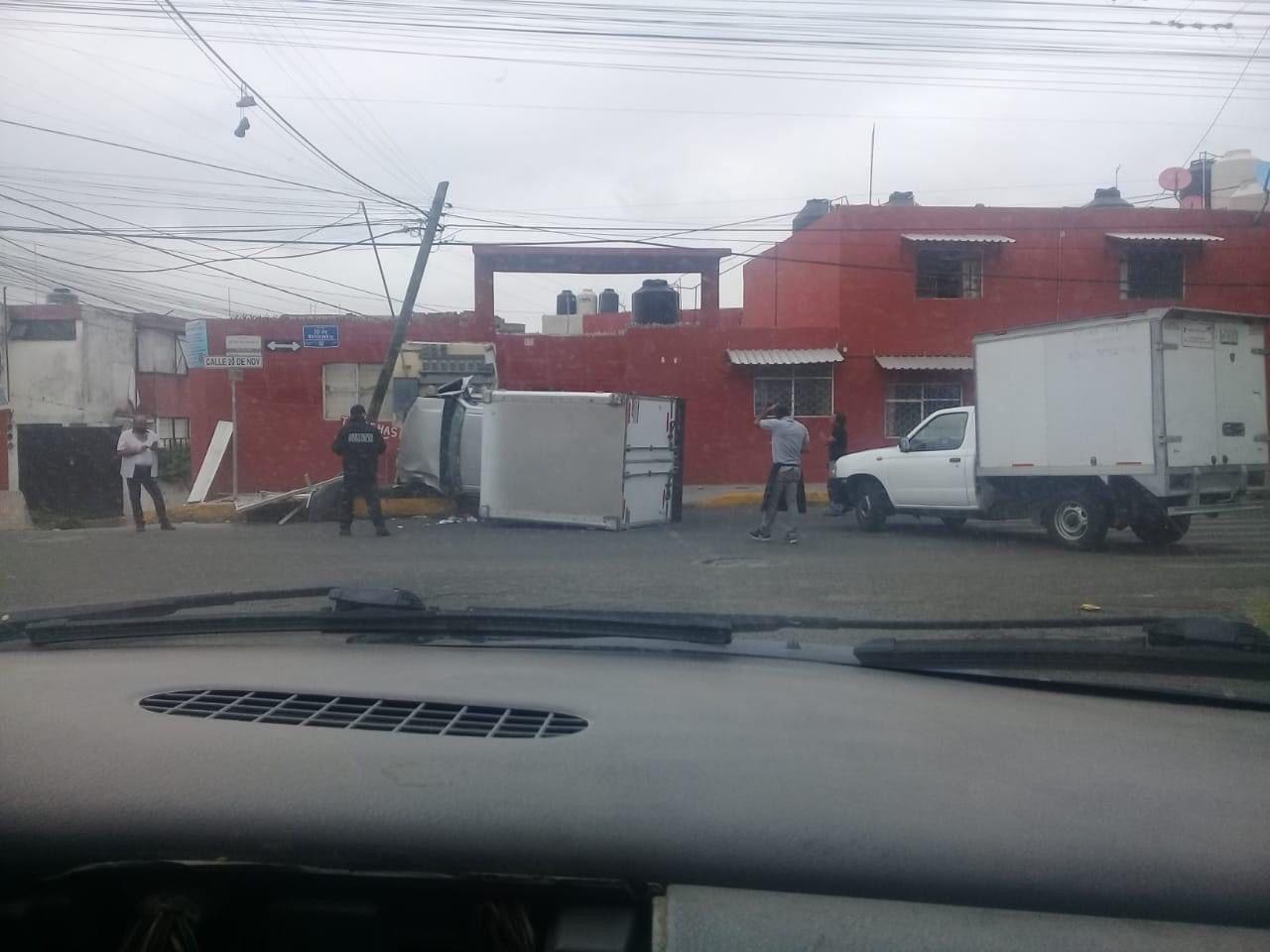 Así volcó conductor al querer darse a la fuga tras atropellar a abuelito en la Zona Militar.jpg