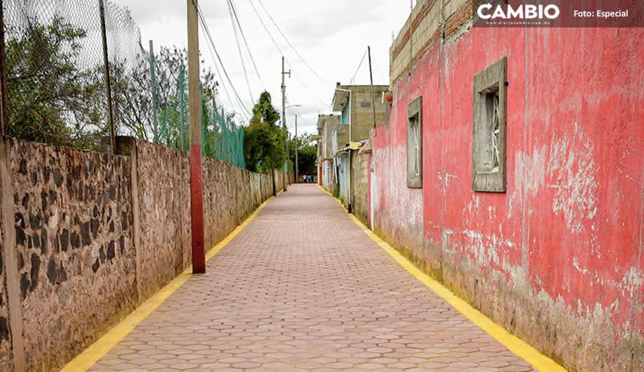 Lupita Daniel calle 02.jpg