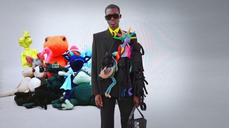 Tunden en redes a Louis Vuitton por vender horrenda prenda llena de peluches.jpg