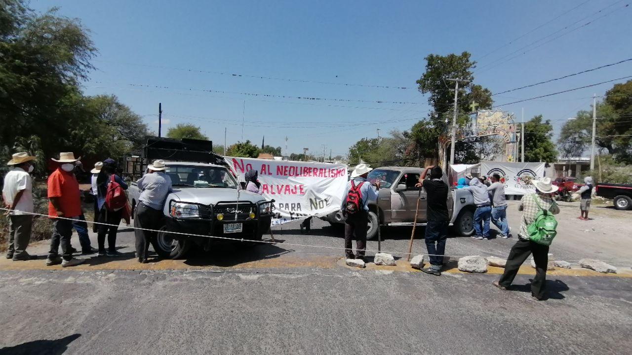 bloquean la estatal Tehuacán-Teotitlán.jpg