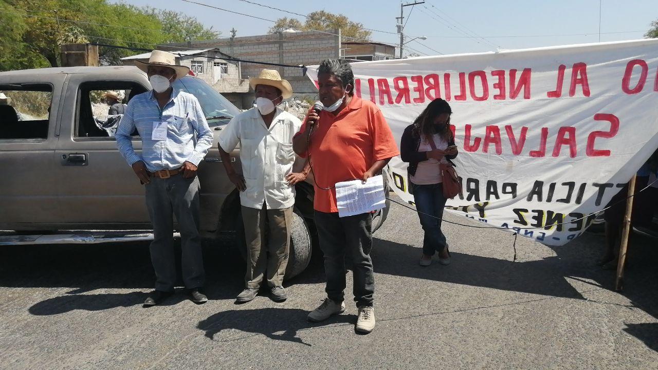 bloquean la estatal Tehuacán-Teotitlán 2.jpg