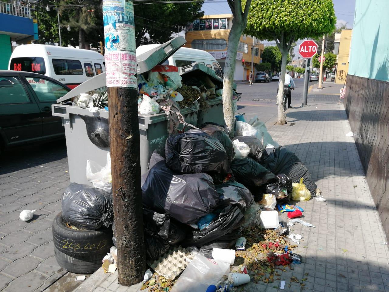 calle tehuacan basura.jpeg