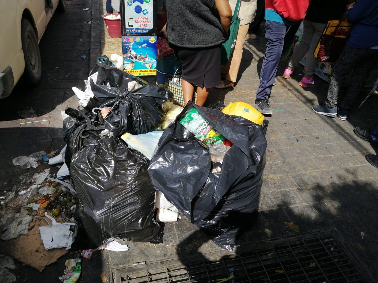 calle tehuacan basura 2.jpeg