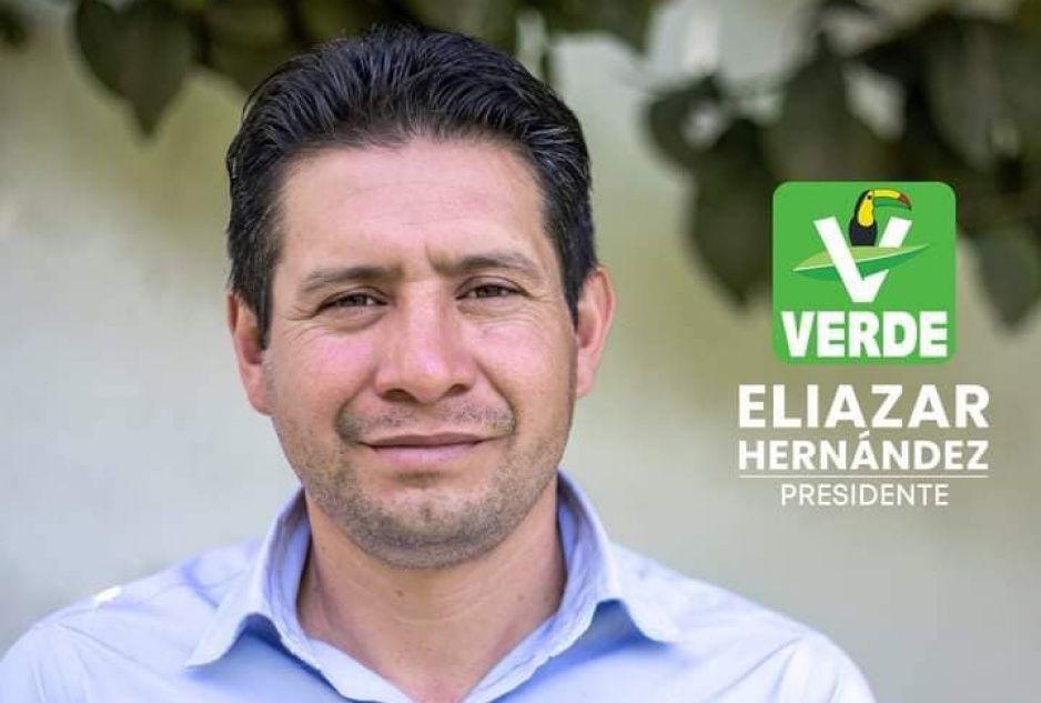 Escolta de candidato del Verde en Ixtacamaxtitlán dispara al aire en las inmediaciones del IEE