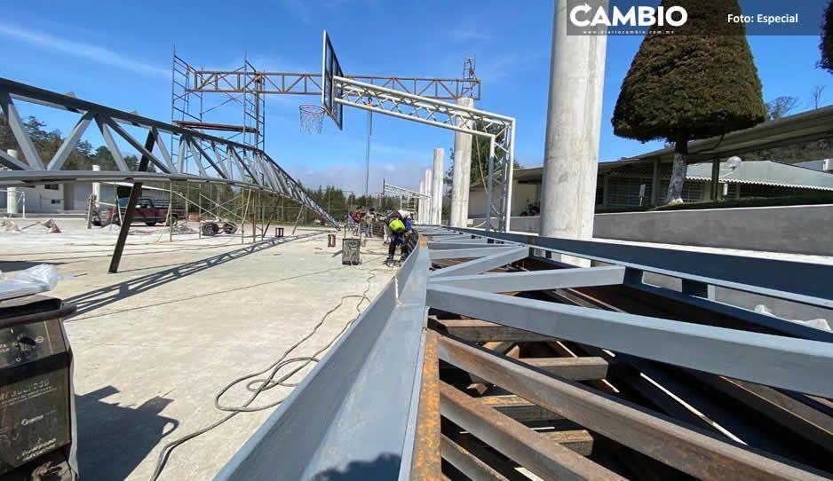 Gobierno de Carlos Peredo construye techado en canchas del Tecnológico Superior de Teziutlán