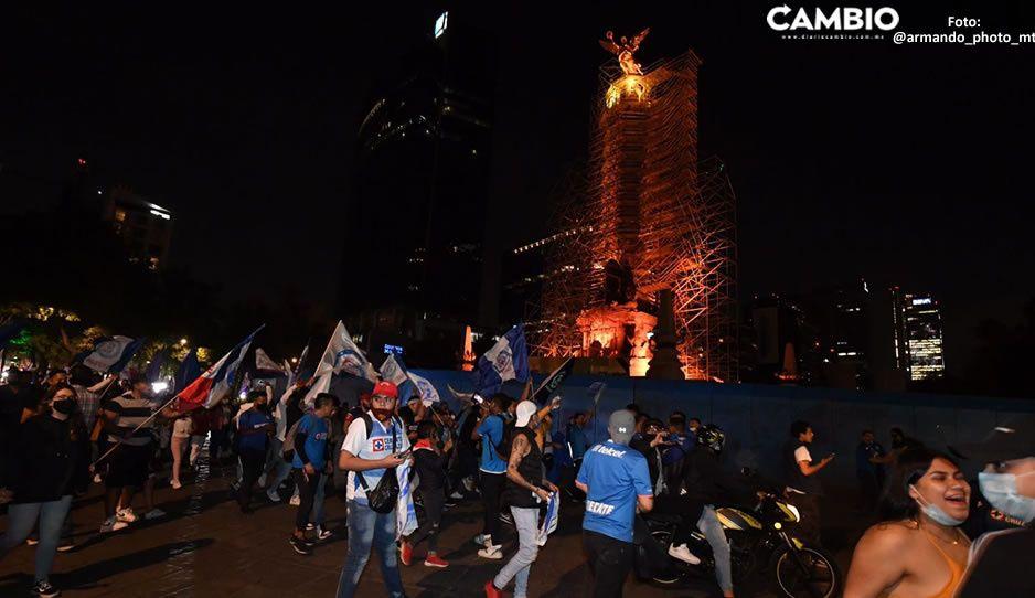 Triunfo de Cruz Azul, provoca que miles salgan al Ángel de la Independencia ¿y el COVID?