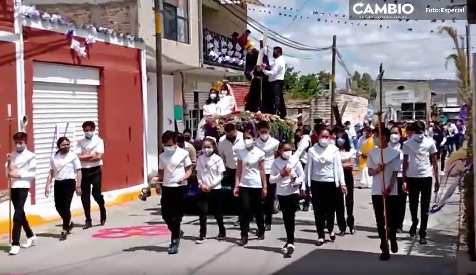 VIDEO: Religiosos se olvidan del COVID y realizan procesión en Texmelucan