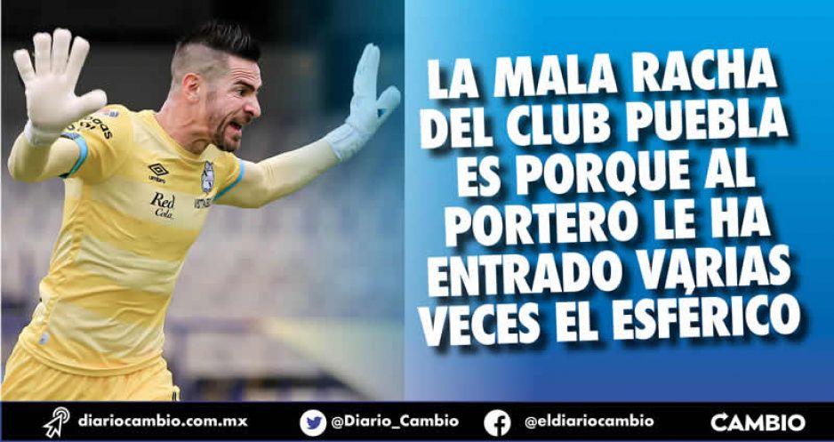 Portero del Club Puebla ya recibió el triple de goles que el torneo pasado (VIDEO)