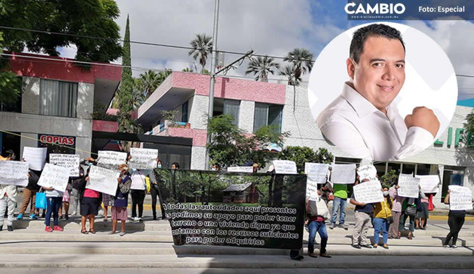 """Por segundo día se manifiestan vs Artemio Caballero """"Queremos construir una casa digna"""""""