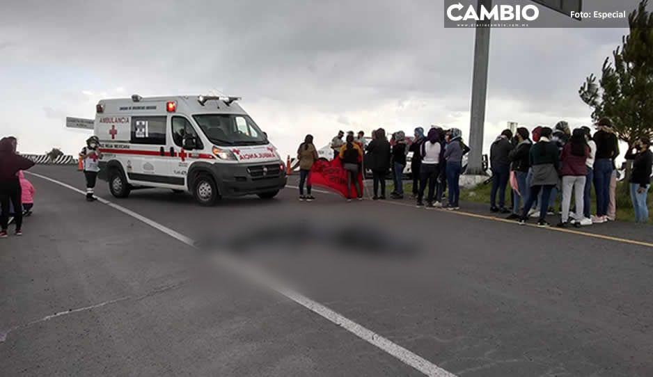 Normalistas mueren en intento de rapiña a camioneta en Teteles