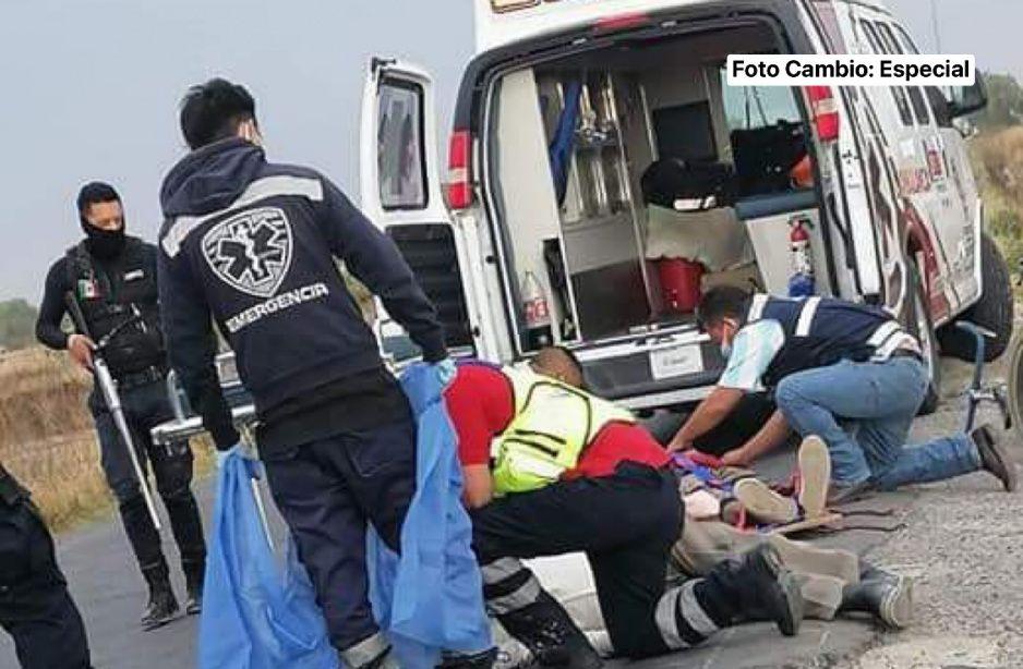Cafre atropella y mata a ciclista en Acatzingo