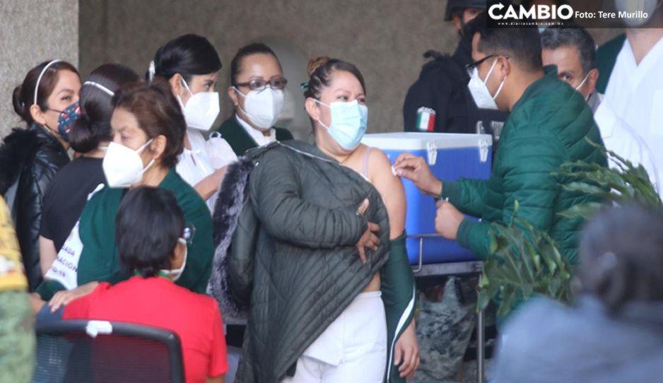 Inicia aplicación de vacuna vs COVID a personal de salud del IMSS La Margarita (FOTOS y VIDEO)