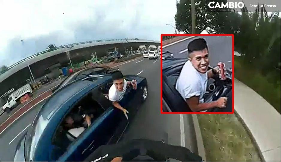 ¡Qué hijo de la maldad! Este borracho intentó derribar a ciclista sobre el Periférico (VIDEO)