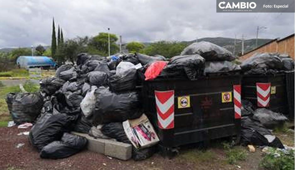 ¡Alerta sanitaria! Dejan montones de basura detrás del Hospital General de Tehuacán