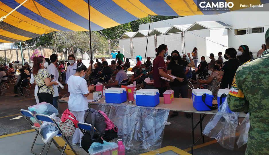 Abuelitos desairan vacunas en Tehuacán; sobran más de mil dosis