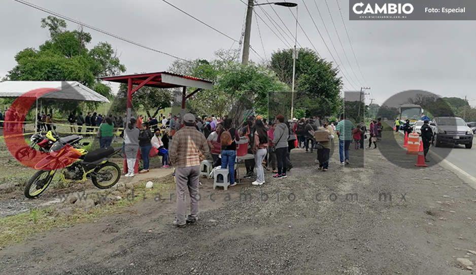¡Pésima logística en Venustiano Carranza! Abuelitos esperan más de tres horas la vacuna AntiCovid