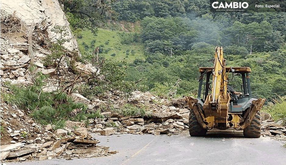 Deslaves causan cierre de en Zacatlán a San Miguel Tenango