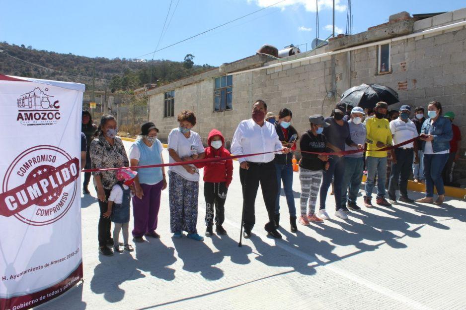 Gobierno de Amozoc inaugura calle con concreto hidráulico en Las Cruces