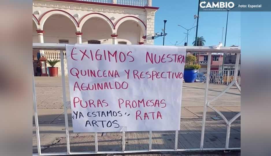 Policías municipales de Acatlán inician paro laboral por falta de pago