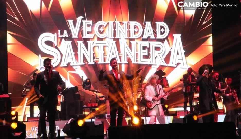 La Vecindad-Santanera pone a bailar a cientos de poblanos en Casa Aguayo tras el Grito (VIDEOS)